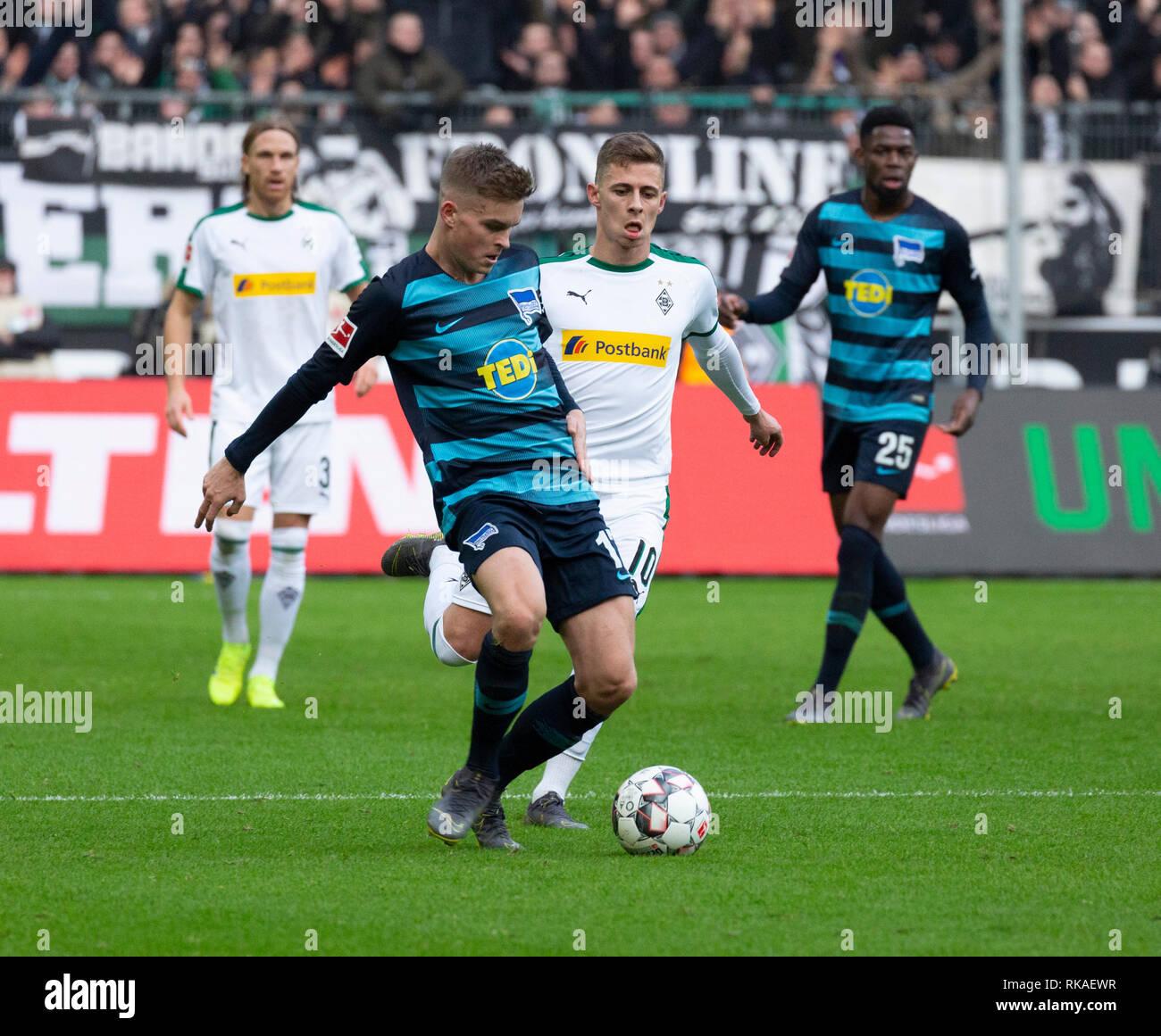 sports, football, Bundesliga, 2018/2019, Borussia Moenchengladbach vs Hertha BSC Berlin 0-3, Stadium Borussia Park, scene of the match, ahead Florian Neuhaus (MG) in ball possession, right Marko Grujic (Hertha), DFL REGULATIONS PROHIBIT ANY USE OF PHOTOGRAPHS AS IMAGE SEQUENCES AND/OR QUASI-VIDEO - Stock Image