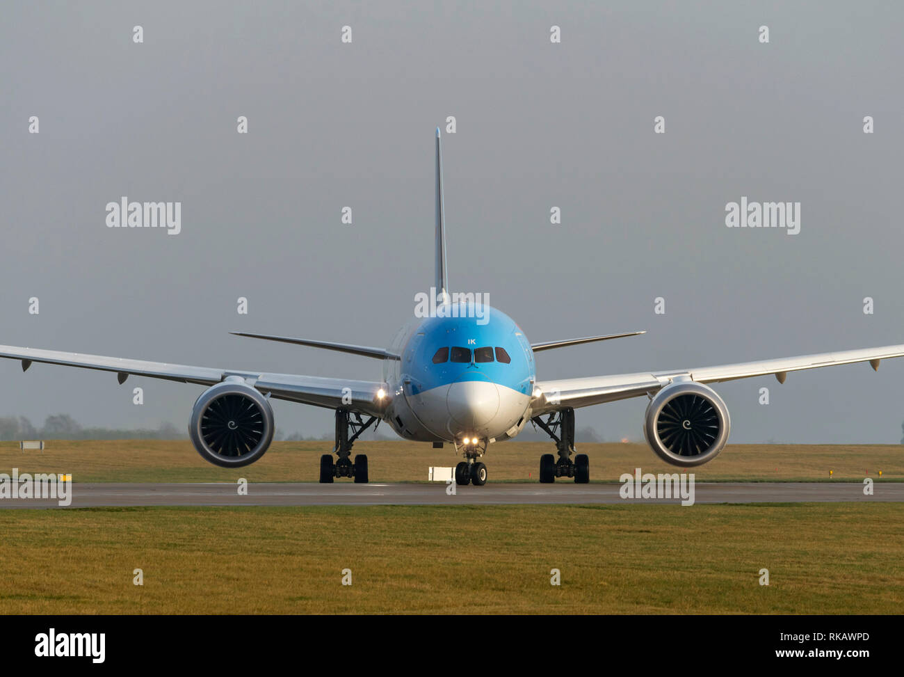 TUI Airways, Boeing 787-9 Dreamliner, GTUIK, taxying for take off at Manchester Airport - Stock Image