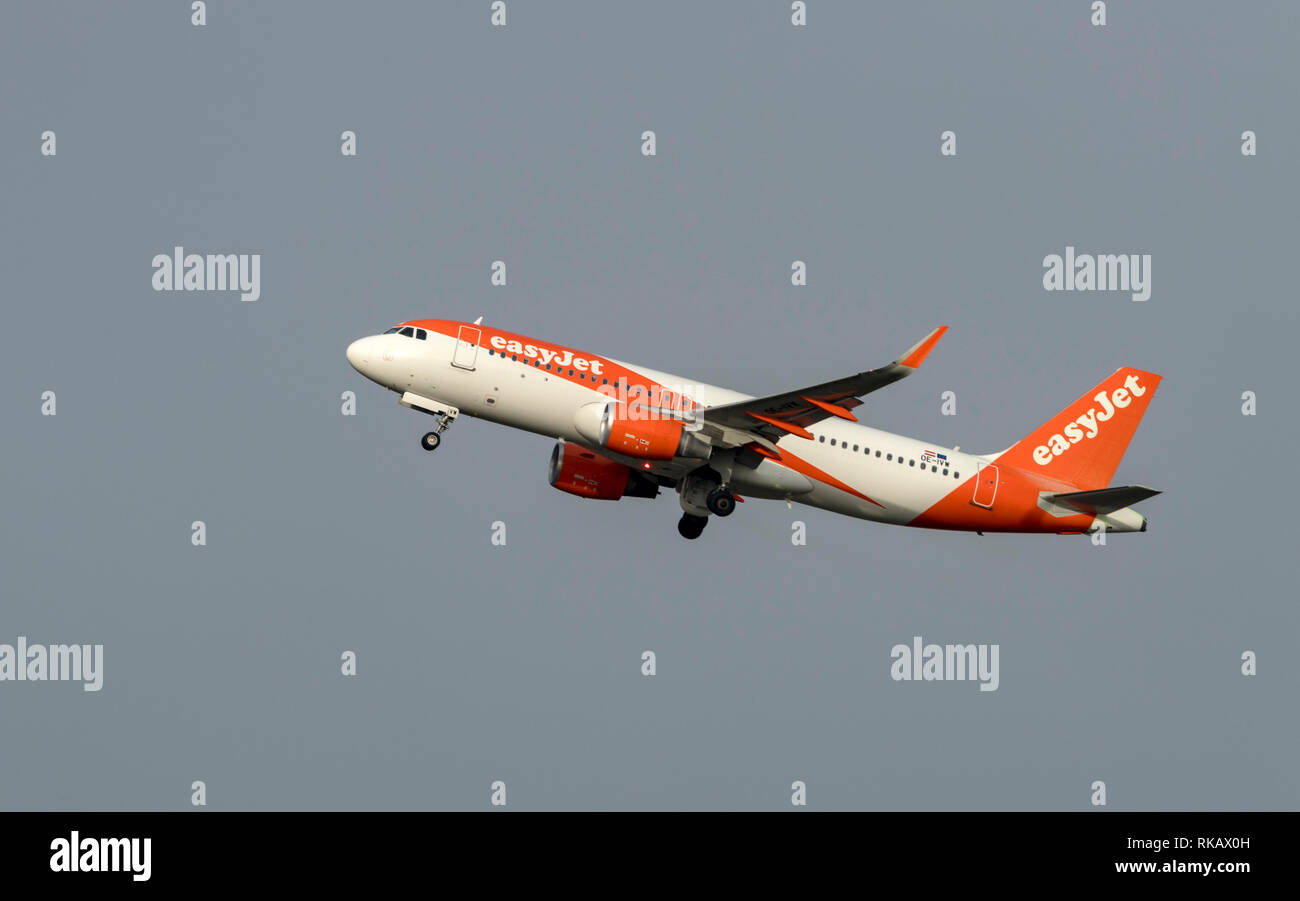 Easyjet, Airbus A320-214, OE-IVW, take off at Manchester Airport - Stock Image