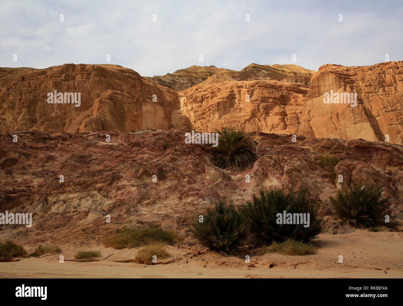 Desert cliffs near Egypt's Coloured Canyon outside the Sinai town of Nuweiba, Egypt. (Photo/Hasan Jamali) - Stock Image