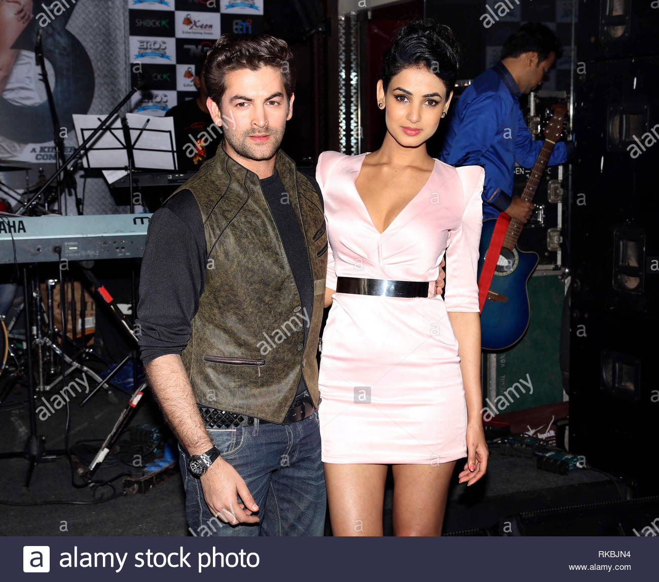 Bollywood actors Neil Nitin Mukesh and Sonal Chauhan pose during the music launch of their upcoming film 3G in Mumbai, India on February 26, 2013. The Bollywood thriller film written and directed by Shantanu Ray Chhibber and Sheershak Anand will hit the theaters on March 15, 2013. (Aakash Berde) - Stock Image