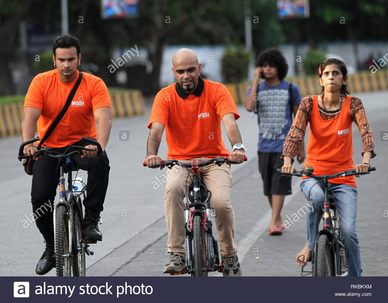 Raghu Ram, producer of Roadies, a popular Indian MTV reality show participates in a bicycle rally to raise awareness about Multiple Sclerosis in Mumbai, India on May 26, 2013. (Shailesh Andrade / SOLARIS IMAGES) - Stock Image