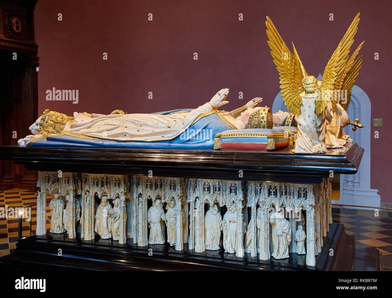 Salle des gardes, Tombs of the Ducs de Bourgogne, Fine Arts Museum, Musée des Beaux-Arts, Dijon, Côte d´Or, Burgundy Region, Bourgogne, France, Europe Stock Photo