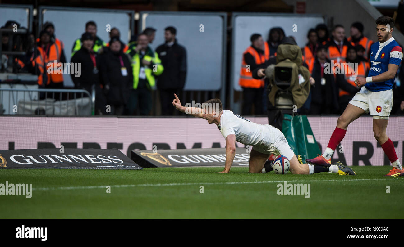 Twickenham, United Kingdom. 7th February, Owen FARRELL raise'e a finger afte scoring a break away try, during the England vs France, 2019 Guinness Six Nations Rugby Match   played at  the  RFU Stadium, Twickenham, England,  © PeterSPURRIER: Intersport Images Credit: Peter SPURRIER/Alamy Live News Stock Photo