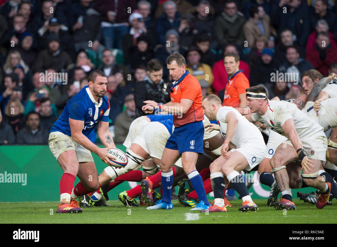 Twickenham, United Kingdom. 7th February, Louis PICAMOLE, looking for support, England vs France, 2019 Guinness Six Nations Rugby Match   played at  the  RFU Stadium, Twickenham, England,  © PeterSPURRIER: Intersport Images Credit: Peter SPURRIER/Alamy Live News Stock Photo
