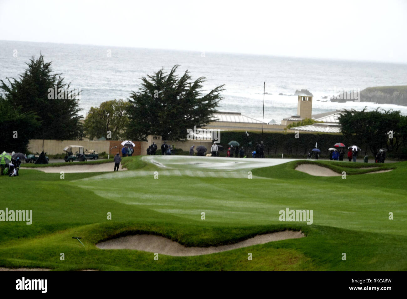 Pebble Beach Golf Links, California, USA. 10th Feb 2019.   Hail stops play during the final round at Pebble Beach Golf Course at  the AT&T Pro-Am at Pebble Beach (here the 3rd hole with hail on the green Credit: Motofoto/Alamy Live News Stock Photo