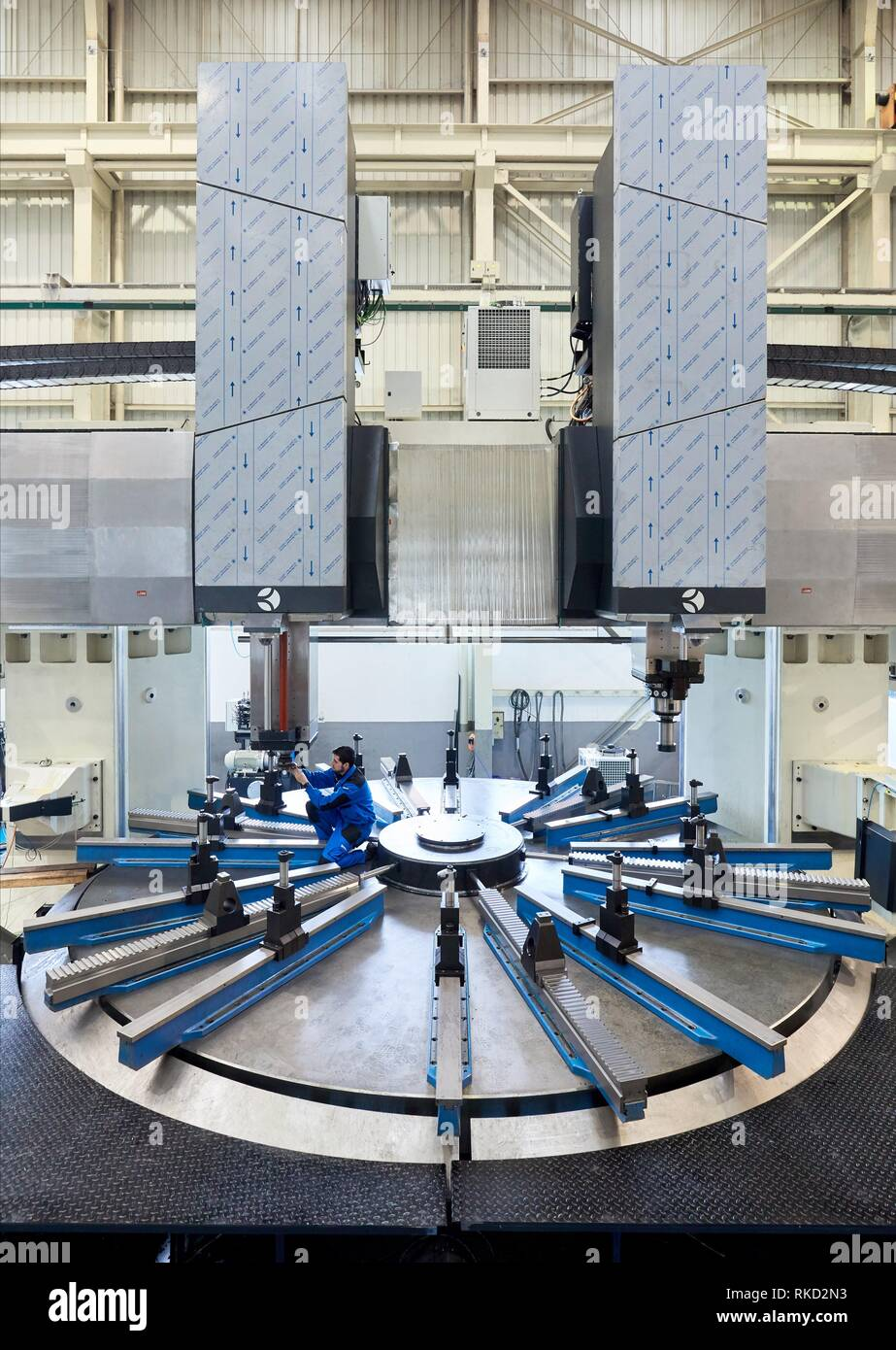 Vertical lathe with two heads, Machining Center, CNC, Design, manufacture and installation of machine tools, Gipuzkoa, Basque Country, Spain, Europe - Stock Image
