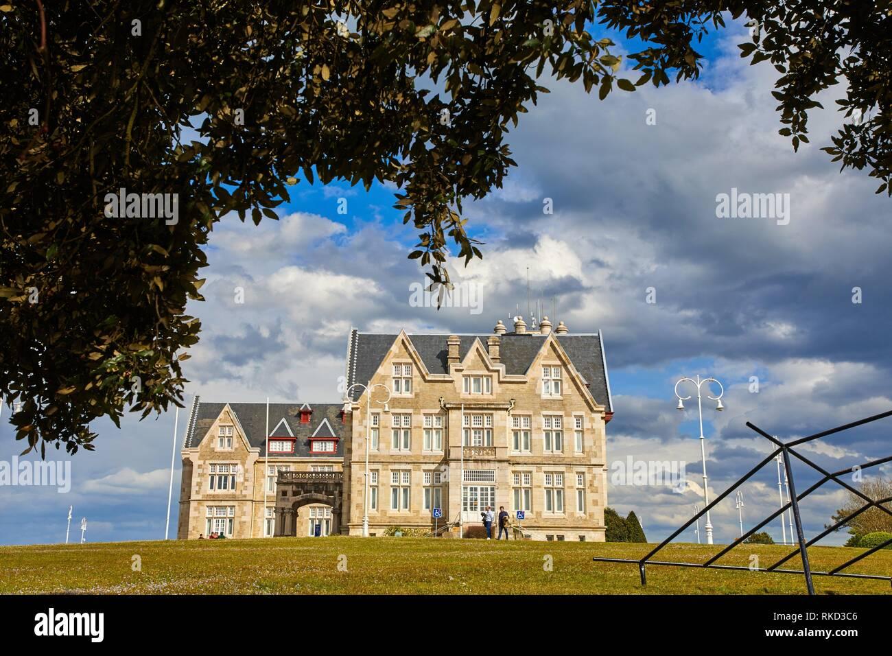 Universidad Internacional Menéndez Pelayo, Palacio and Península de la Magdalena, Santander, Cantabria, Spain, Europe - Stock Image