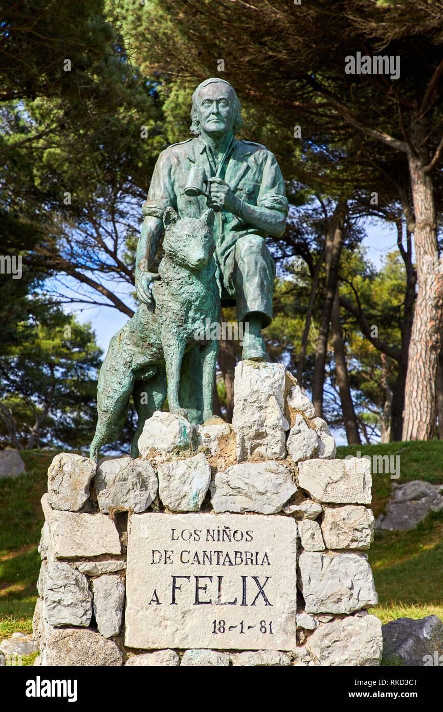 Monument to Félix Rodríguez de la Fuente, Península de la Magdalena, Santander, Cantabria, Spain, Europe - Stock Image