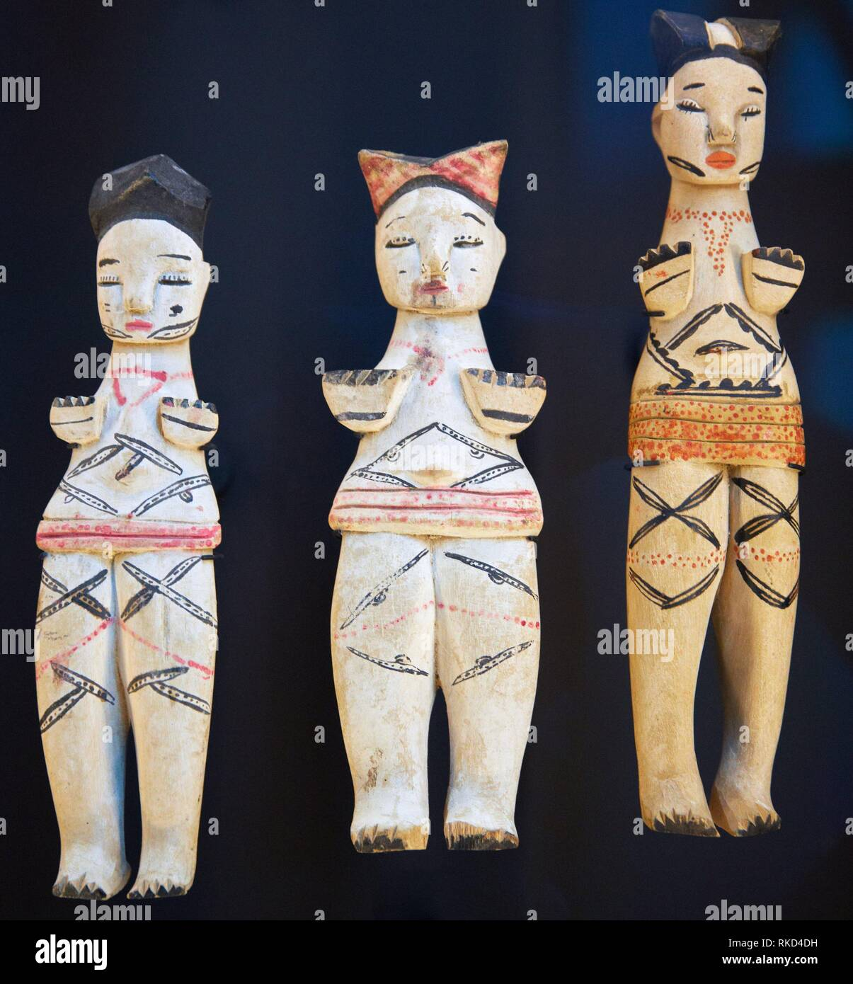 Fertility dolls. Population Igbo and Ibibio. Nigeria. Musée du Quai Branly museum, specialised for primitive or tribal arts, architect Jean Nouvel. - Stock Image