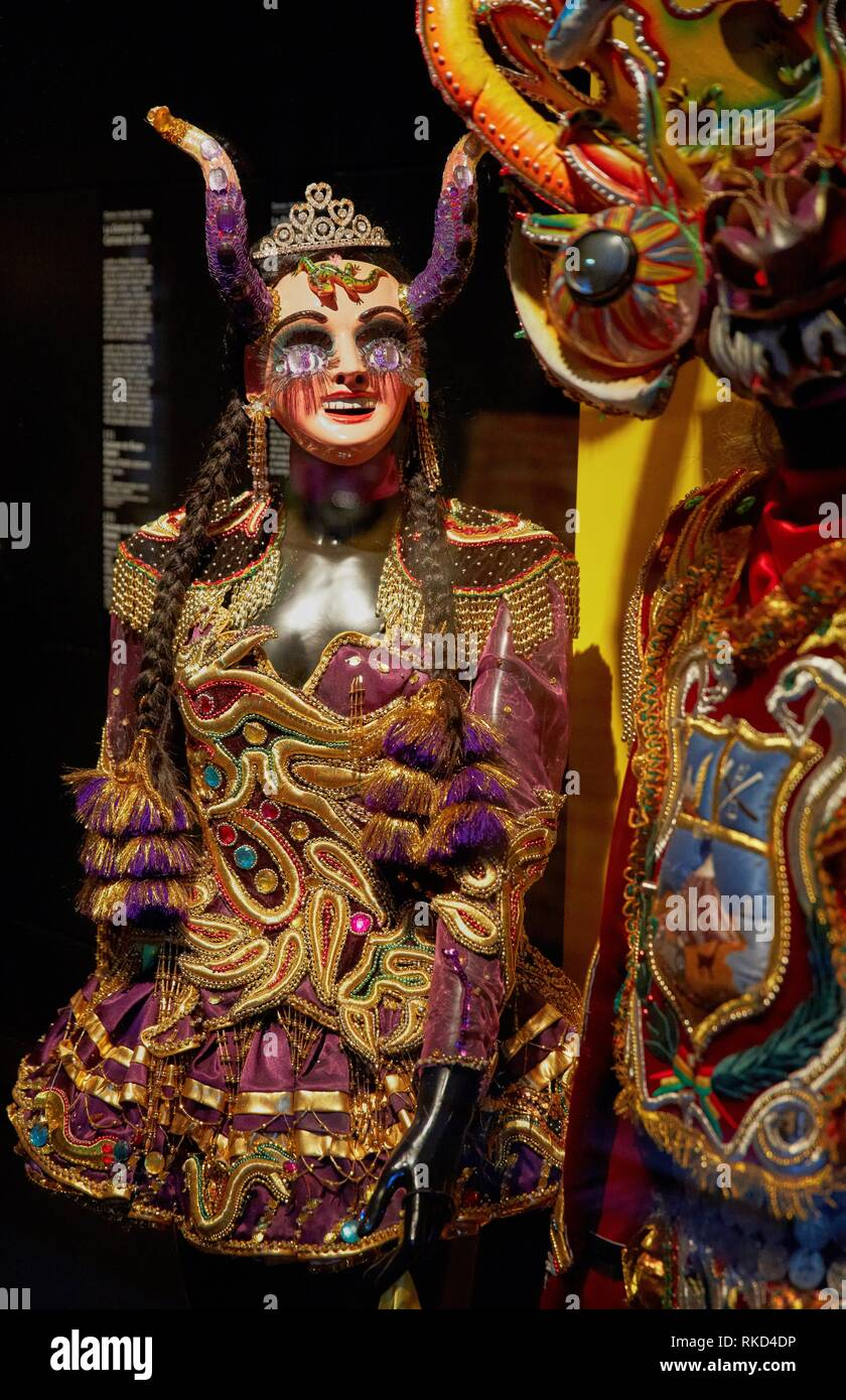 Danses ritualles des Andes. La danse de la Diablada. Musée du Quai Branly museum, specialised for primitive or tribal arts, architect Jean Nouvel. - Stock Image