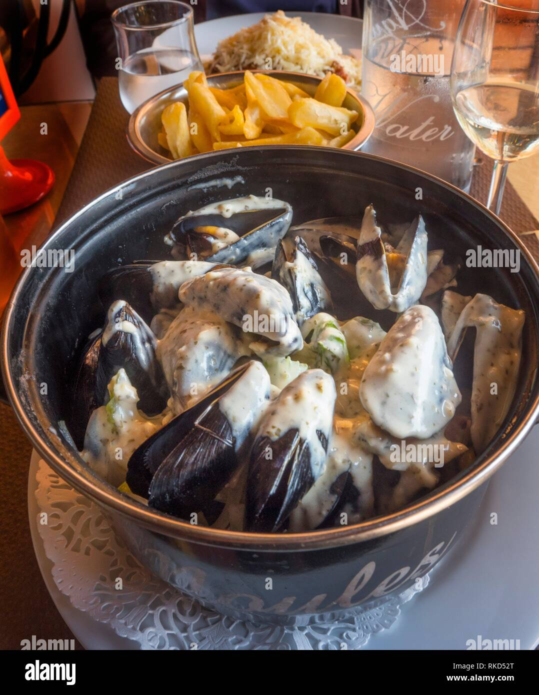 France, Hauts de France,Nord, Food: ''Moules ,frites'',( mussels with french fries'',... - Stock Image
