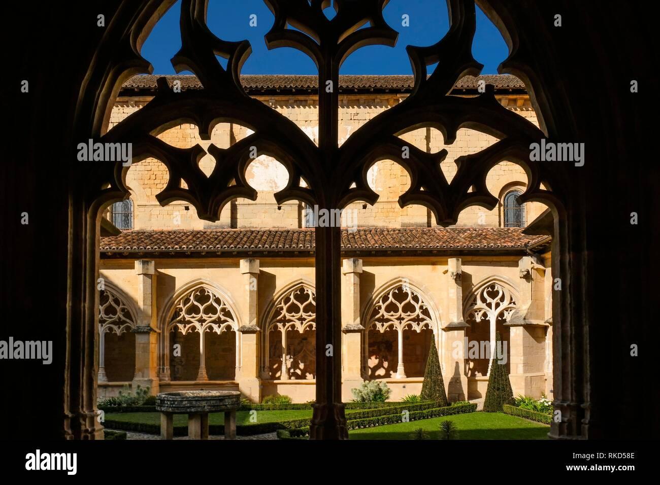 France, Nouvelle Aquitaine, Dordogne, Clauster of Cadouin Abbey, 15th Century. Pilgrimage way to Santiago de Compostela. - Stock Image