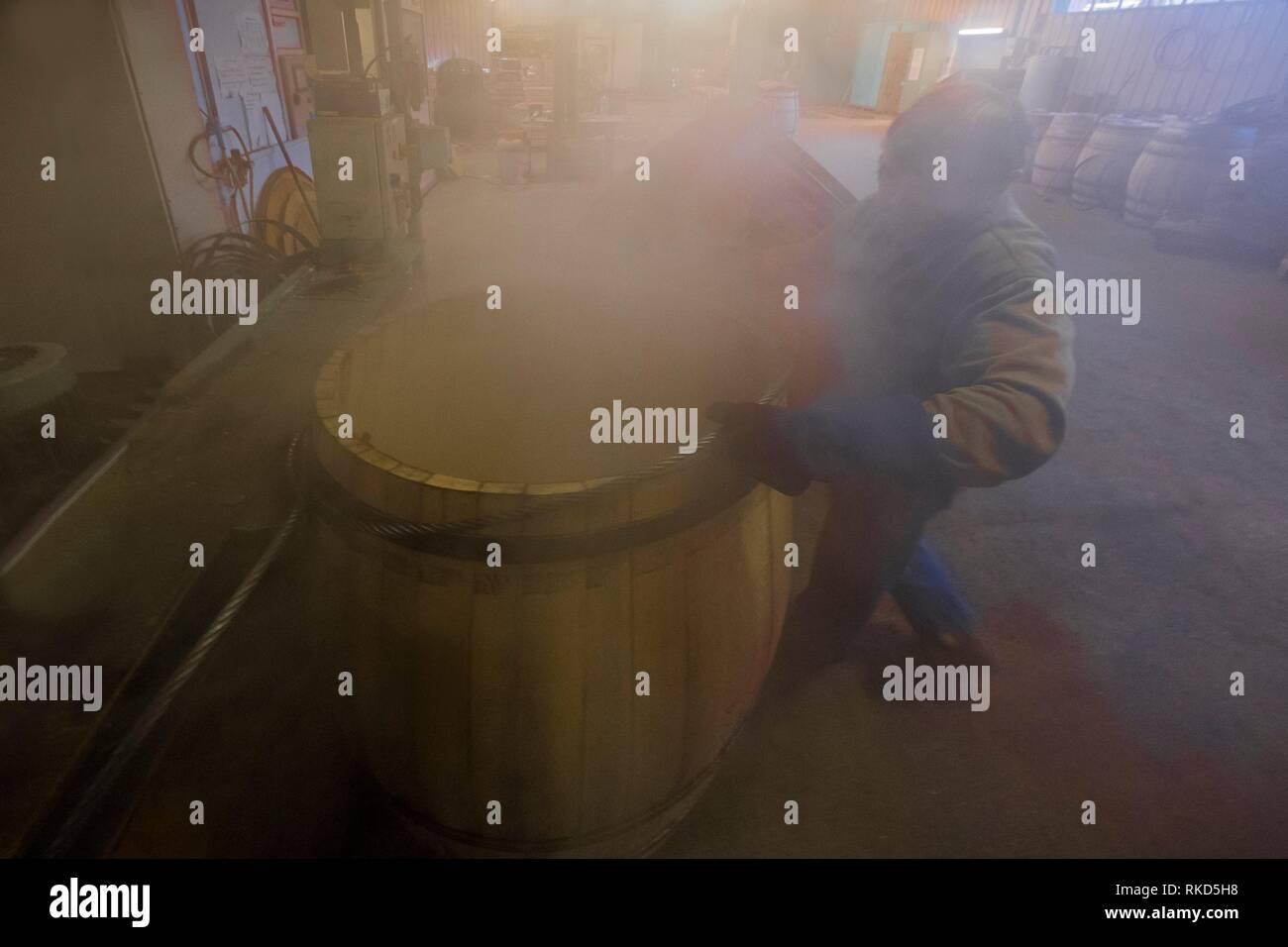 France, Occitanie, Gers, at the ''Tonnellerie de L´Adour'' at Plaisance du Gers. Preparation of barrels for the ageing of the Armagac. - Stock Image