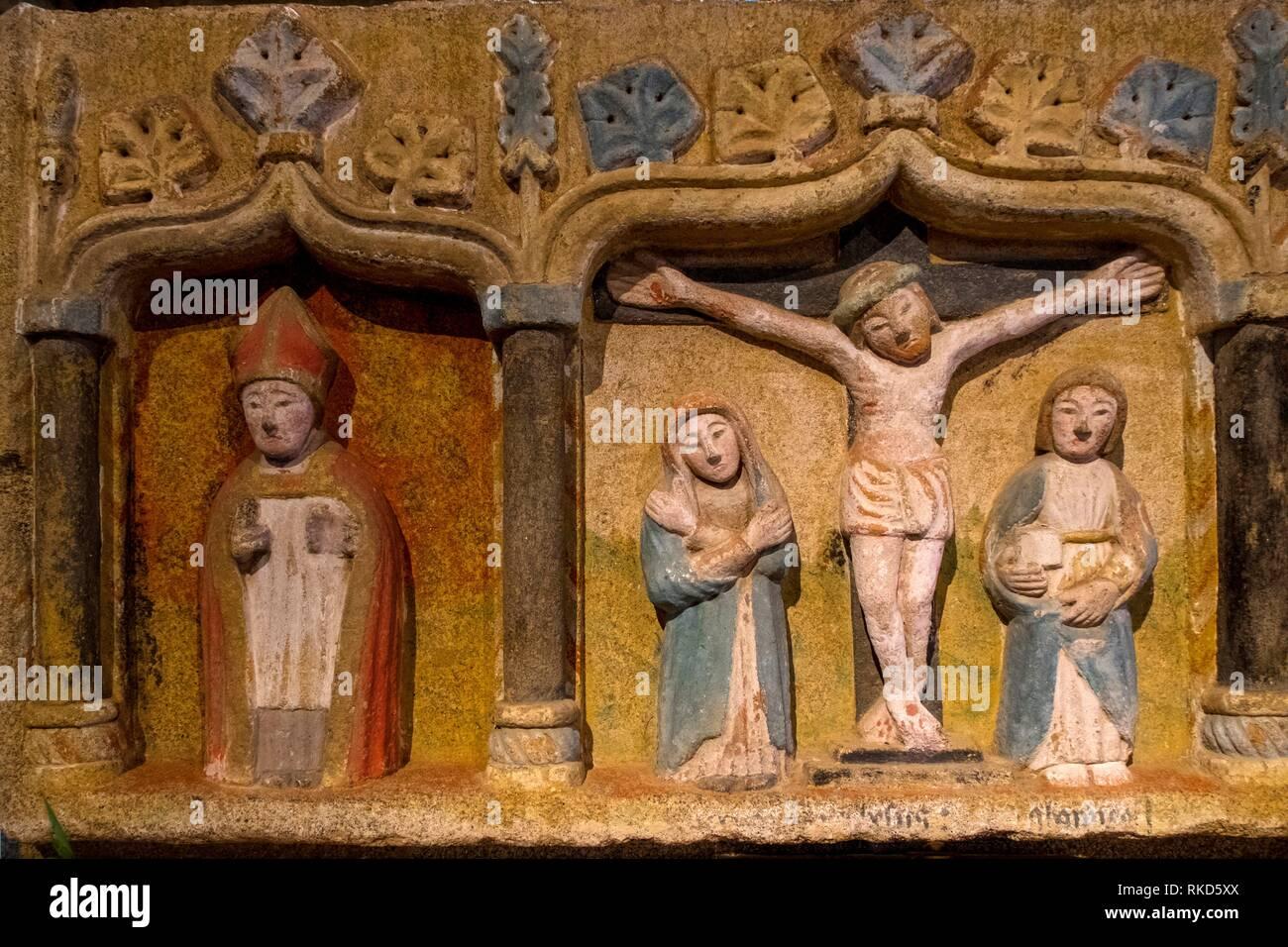 France, Pays de Loire, Mayenne, Retable polychrome, 15th Century. at Saint Beerthevin la Tanniére. - Stock Image