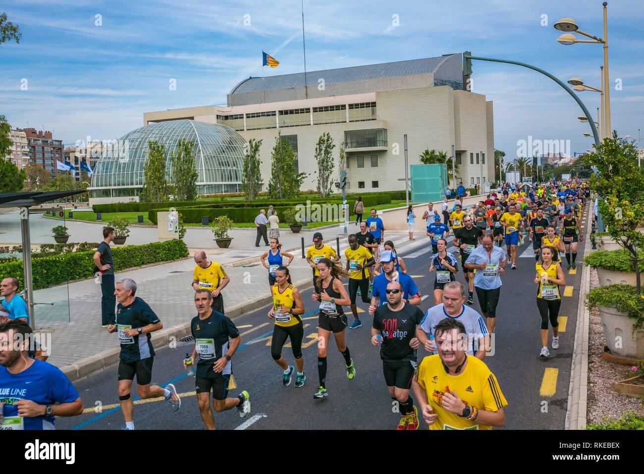 Marathon. Paseo de la Alameda. On the left, Palau de la Musica. Valencia. Comunidad Valenciana. Spain. - Stock Image