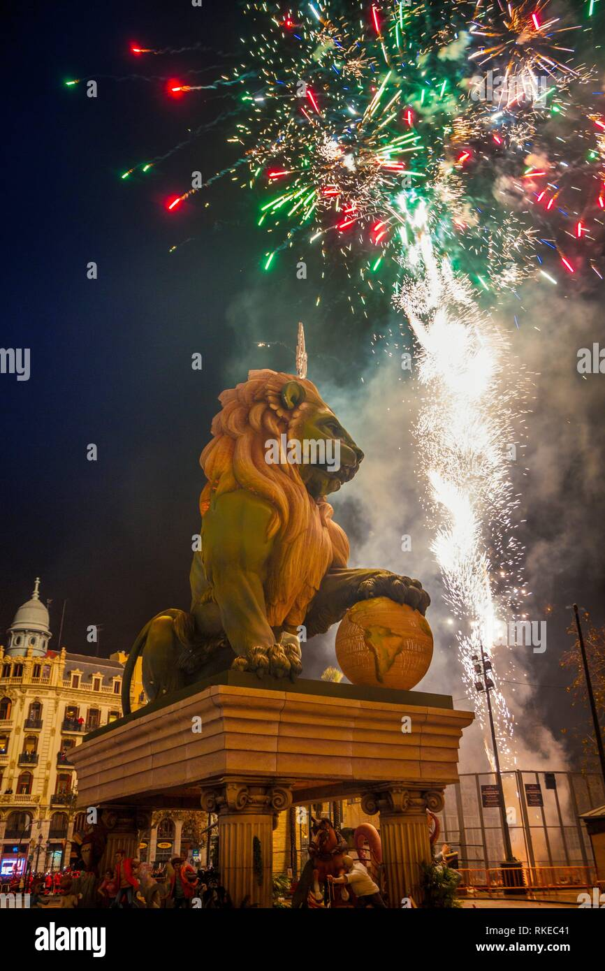 Fallas festival. La Crema. The Burning. On 19 March all of the sculptures go up in flames. Burning in the St Joseph night. Valencia. Valencian - Stock Image
