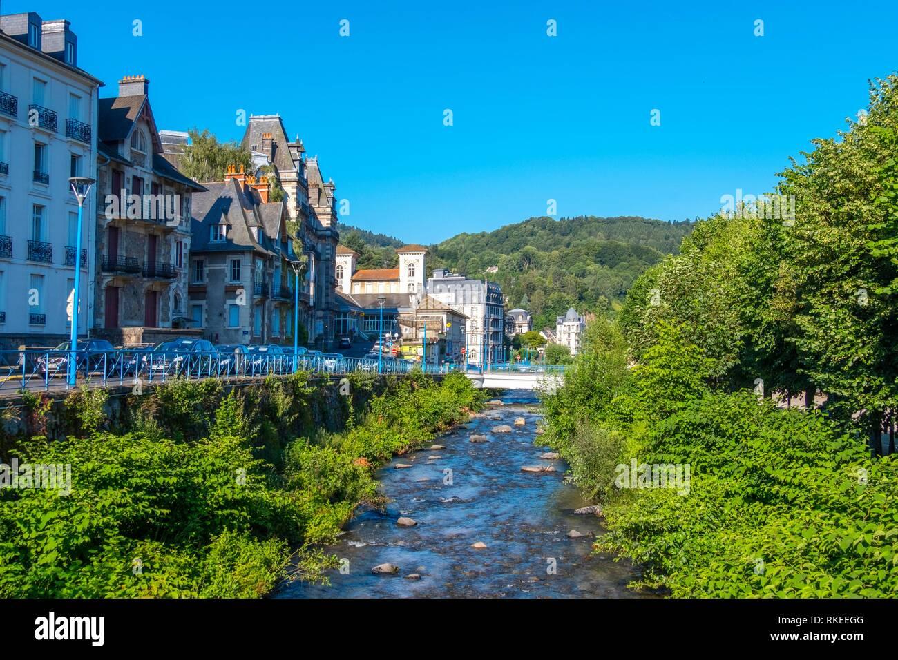 France, Auvergne, Puy de Dôme, Dordogne river at La Bourboule. - Stock Image
