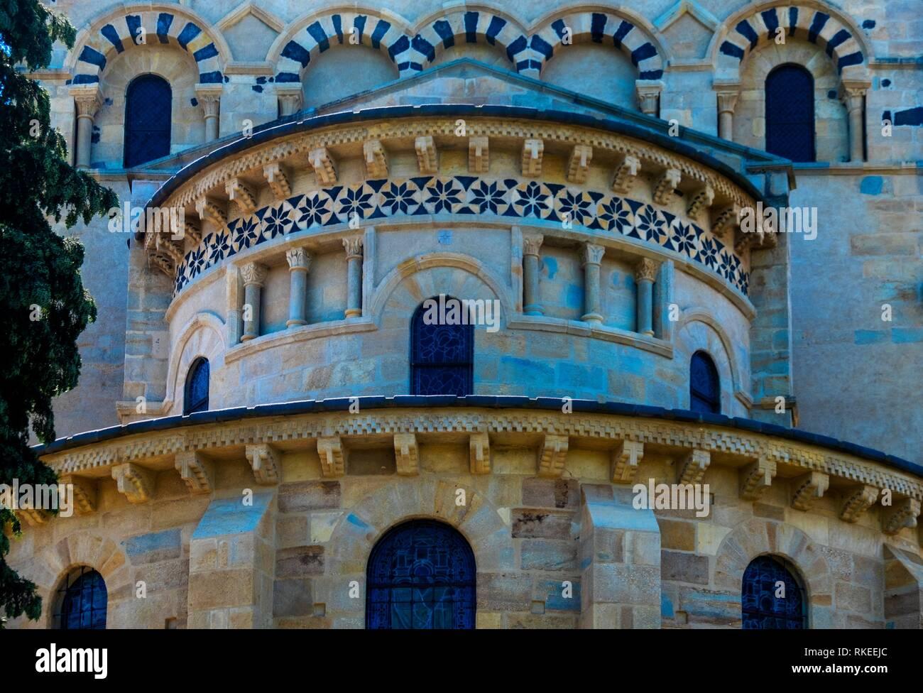 France, Auvergne, Puy de Dôme, 12th Century. romanesque church at Saint Saturnin. Pilgrimage way to Santiago de Compostela. - Stock Image