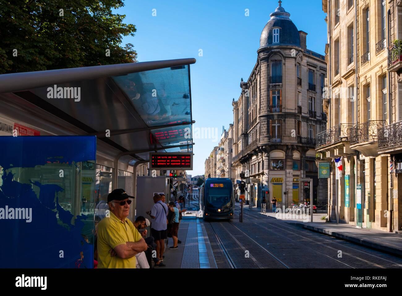 France, Nouvelle Aquitaine, Gironde, Tram on Cours Pateur at Bordeaux. - Stock Image