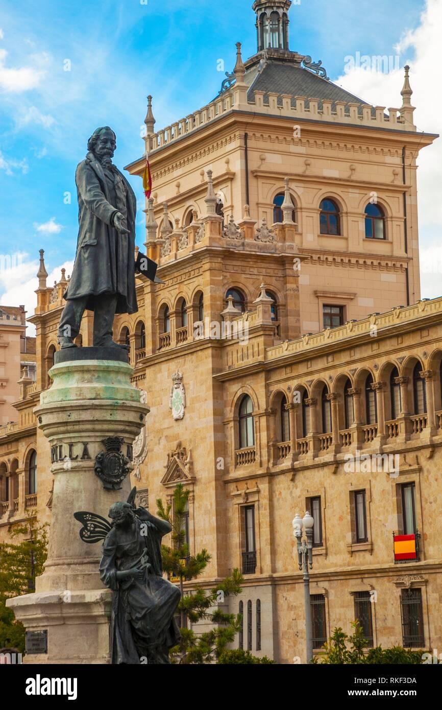 Cavalry academy and Jose Zorrilla Statue, Valladolid, Castilla y Leon, Spain - Stock Image
