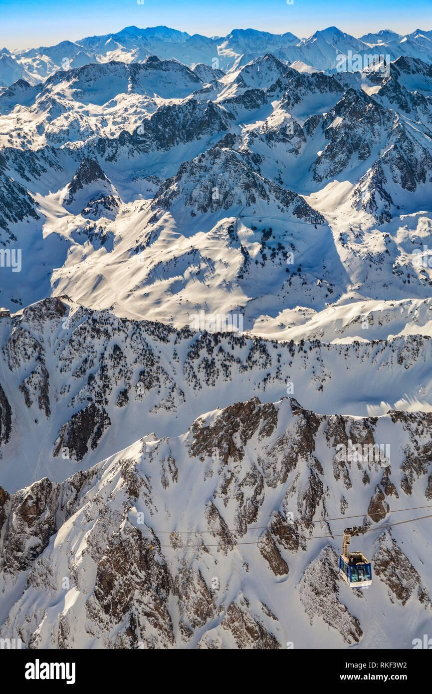 Pic du Midi cable car. Grand Tourmalet ski area. Luz-Saint Sauveur. Hautes-Pyrenees Department. Midi-Pyrenees Region. France. - Stock Image