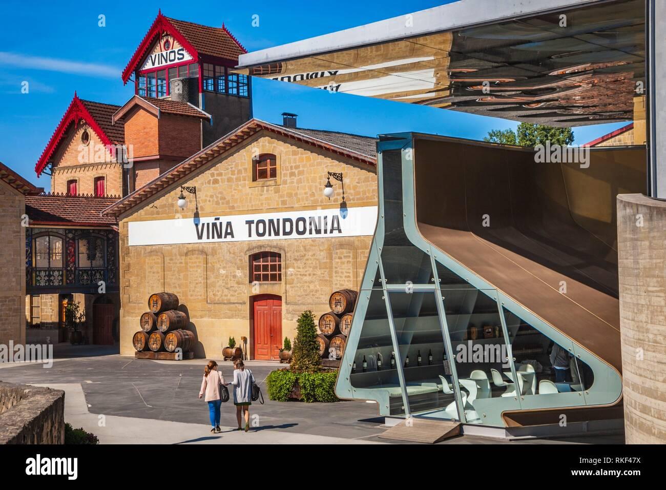 Lopez de Heredia Wine Cellar. Viña Tondonia. In the foreground, design by Zaha Hadid. In the background,Traditional modernist wine cellar. Haro. La Stock Photo