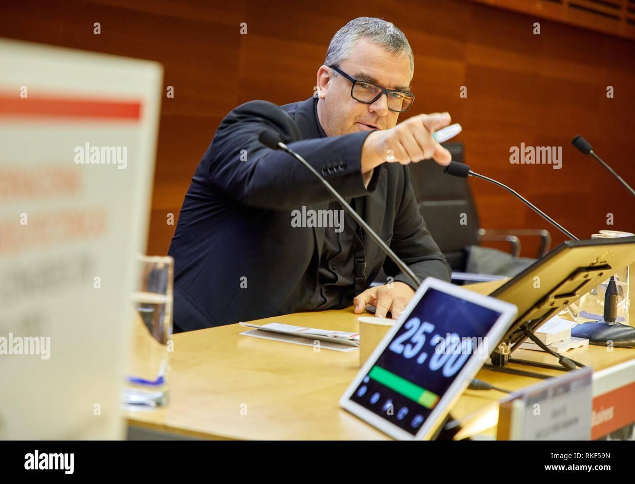 Congress moderator controlling the time, Kursaal Congress Palace, Donostia, San Sebastian, Gipuzkoa, Basque Country, Spain, Europe - Stock Image