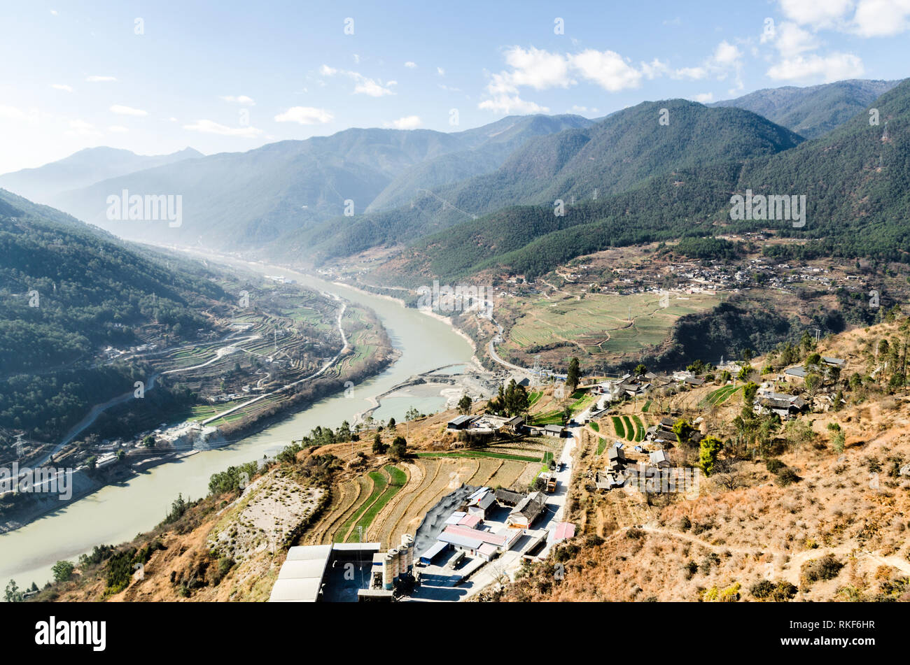 Scenery at the start of the Upper Trail hike in Tiger Leaping gorge, Yunnan, China - Stock Image