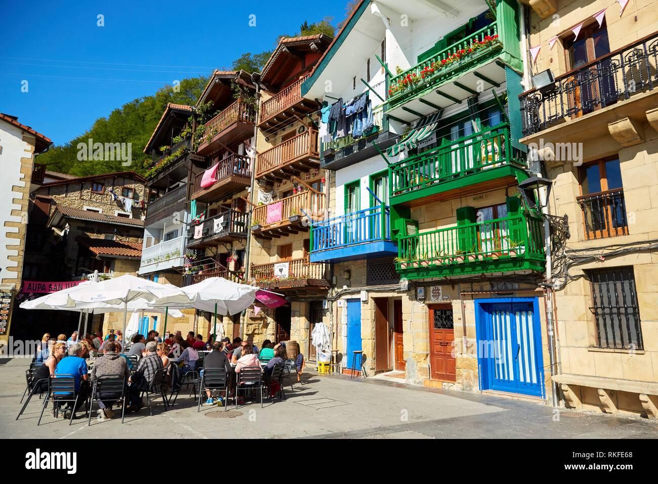 Plaza Santiago, Pasai Donibane, Pasajes de San Juan, Gipuzkoa, Basque Country, Spain, Europe - Stock Image