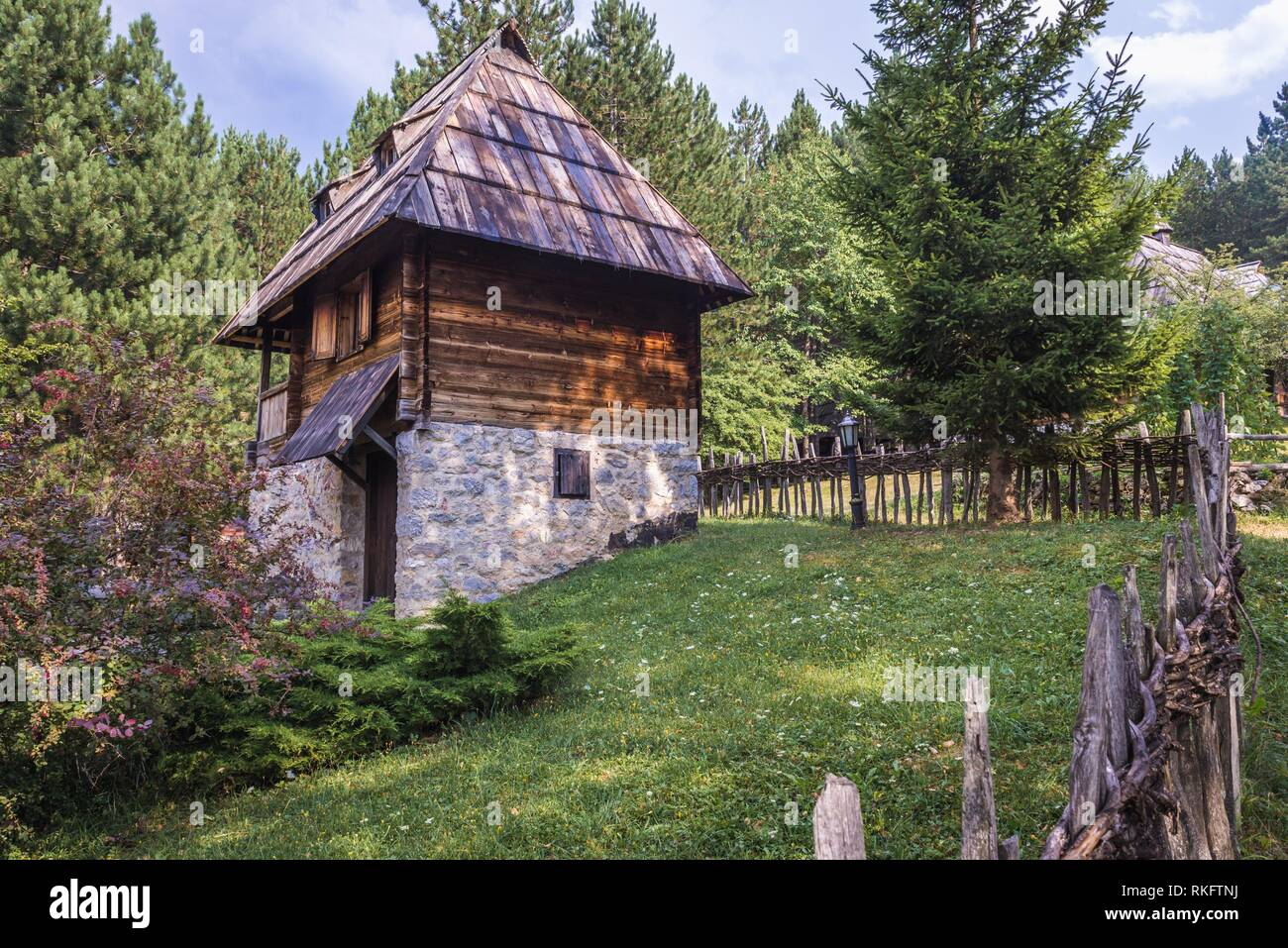 Lodging cabin for tourists in Ethnographic heritage park called Old Village Museum in Sirogojno village, Zlatibor region in western part of Serbia. - Stock Image