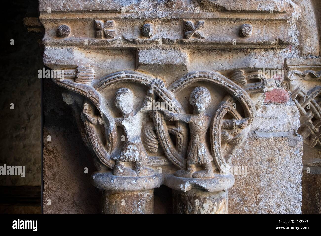 France, Occitanie, Arriege, detail of a column of the cloister (11th Century) at the cathedrale ar Saint Ligier. - Stock Image