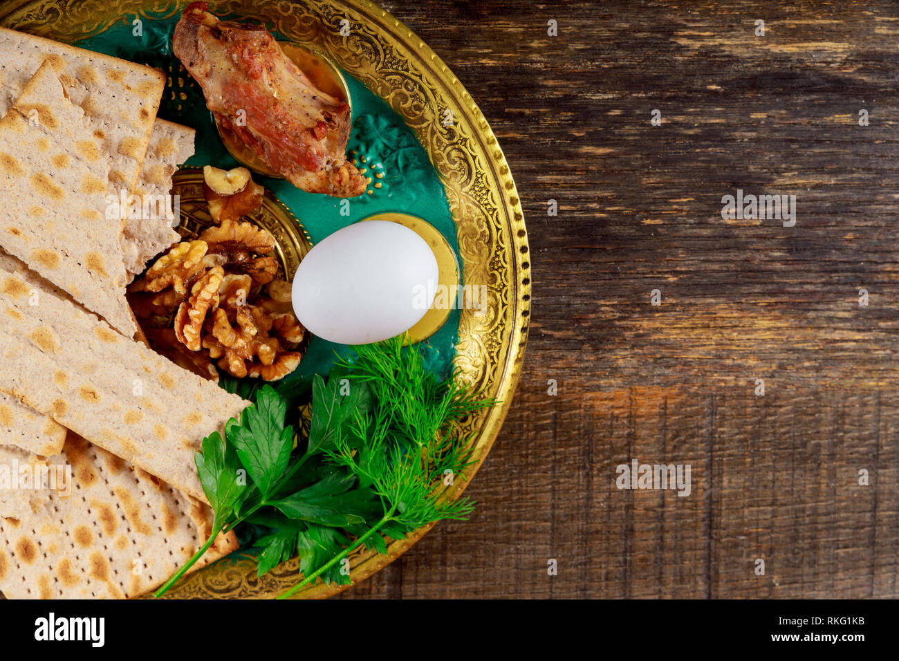 Matzo for Passover with Seder on plate on table close up - Stock Image
