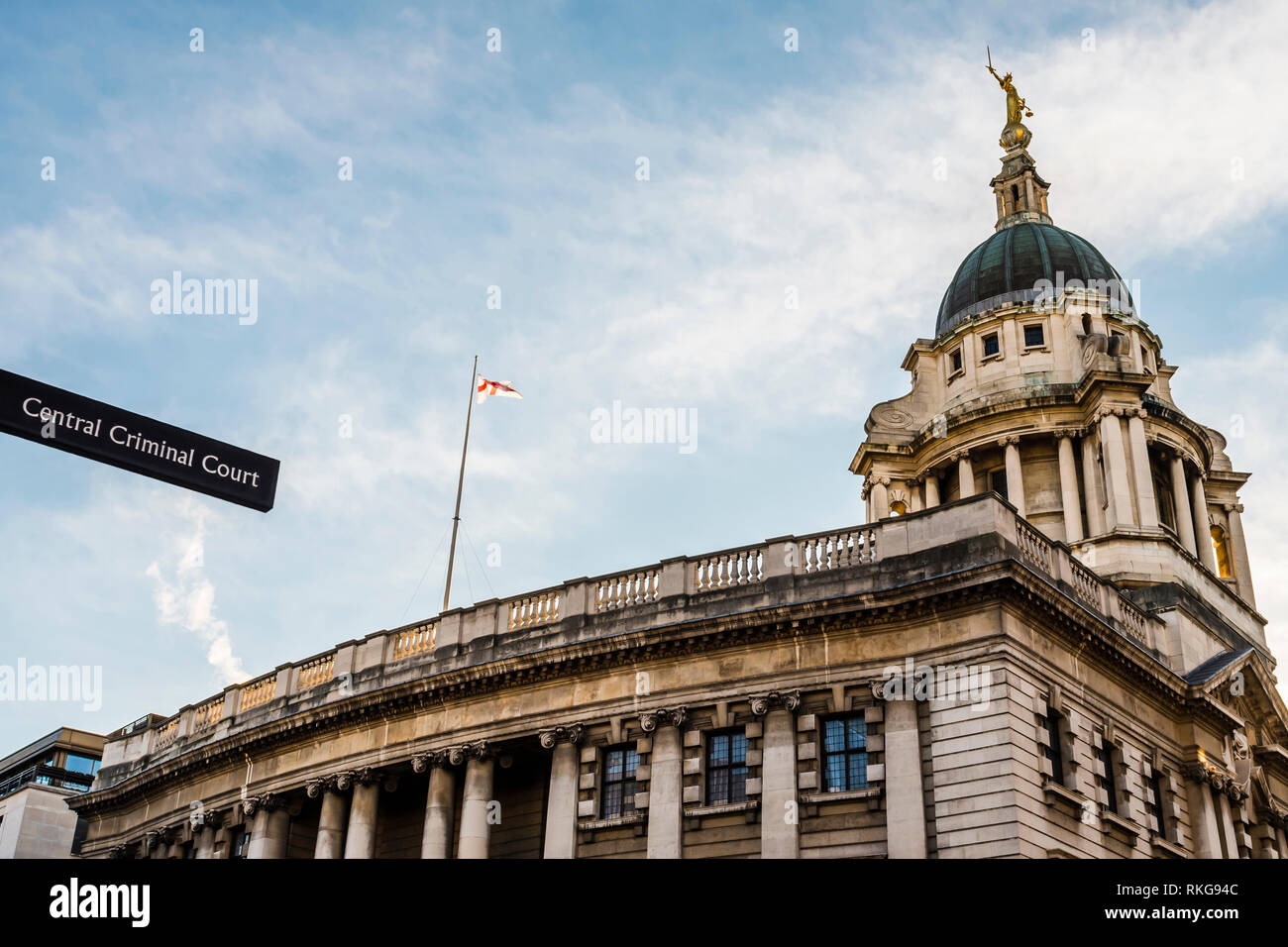Sign pointing towards the Central Criminal Court, Old Bailey, London, UK - Stock Image