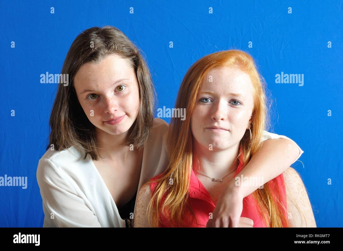 Complicity between two teens. - Stock Image
