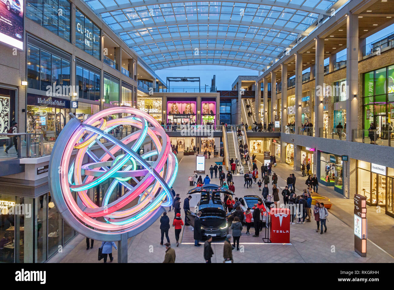 Oxford, UK. Evening in Leiden Square in the new Westgate shopping centre, opened in 2017 - Stock Image