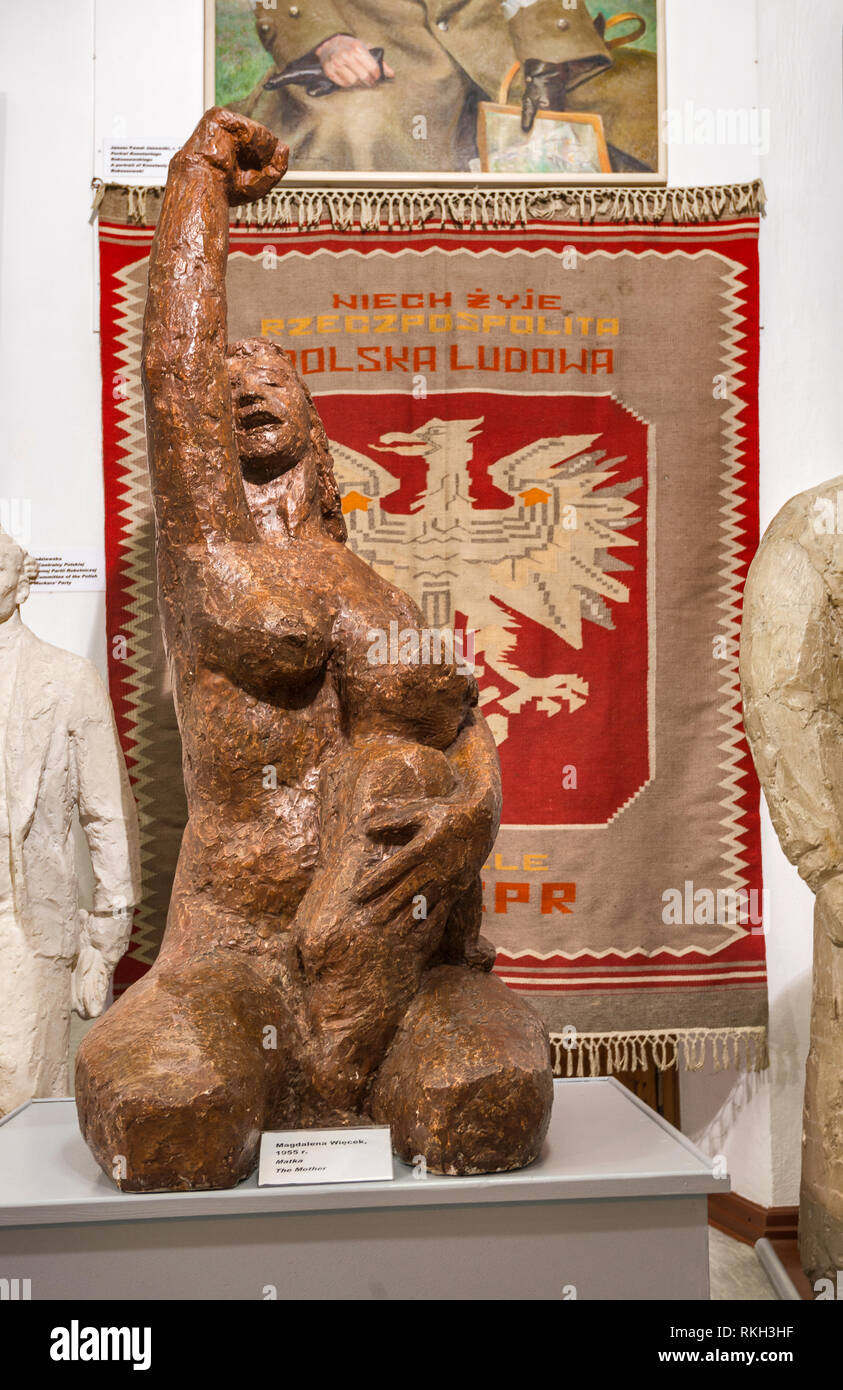 The Mother, sculpture by Magdalena Wiecek, Socialist-Realist Art Gallery at Zamoyski Palace in Kozlowka near Lublin, Malopolska, Poland - Stock Image