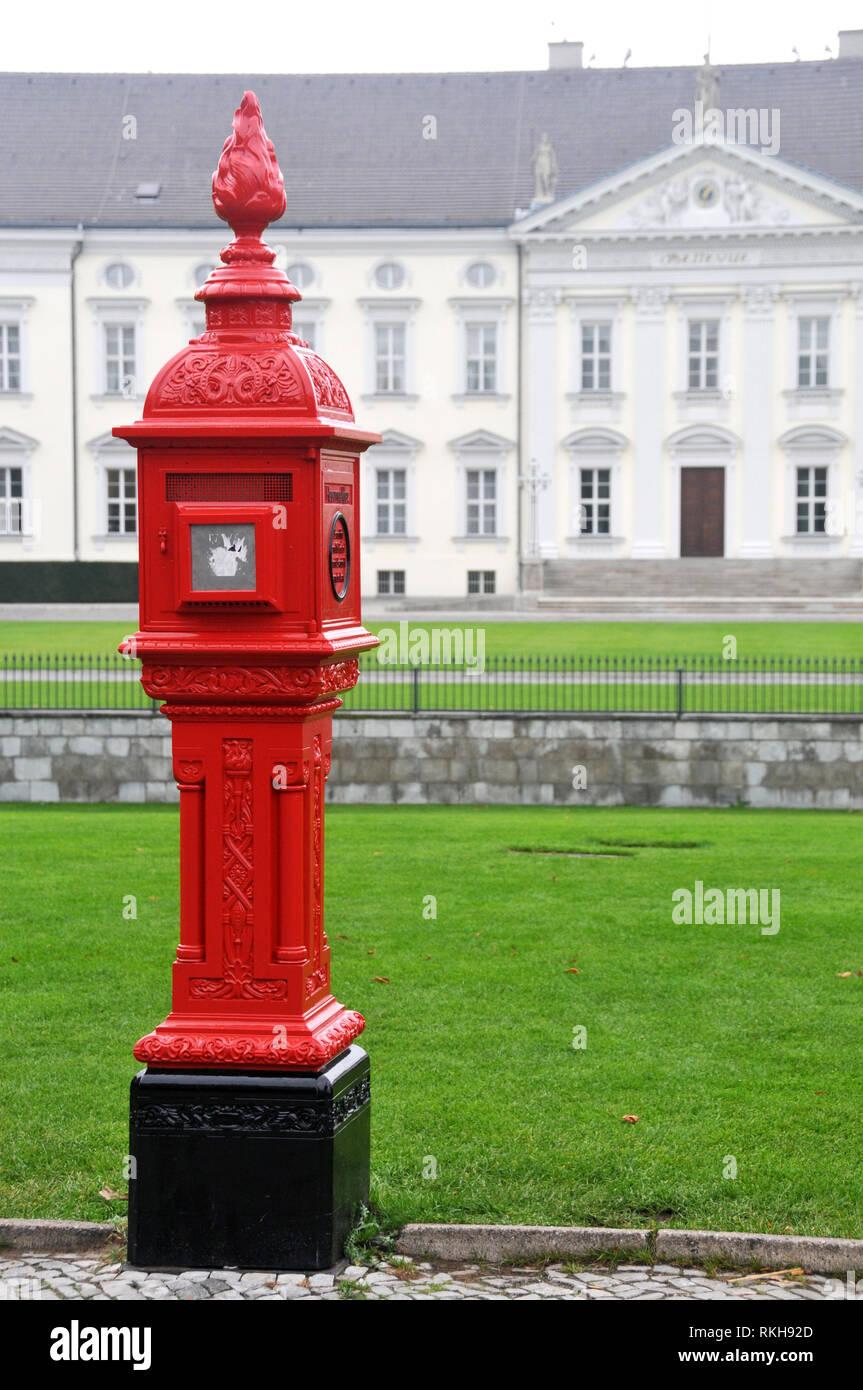 Ornate Post Box outside Schloss Bellevue, Berlin - Stock Image