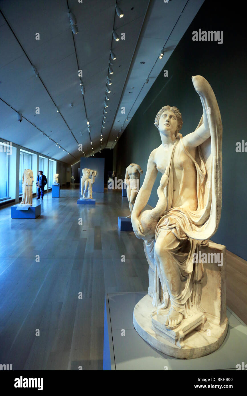 Ancient Roman Statuary group of Leda and the Swan display in Art Institute of Chicago.Chicago.Illinois.USA - Stock Image