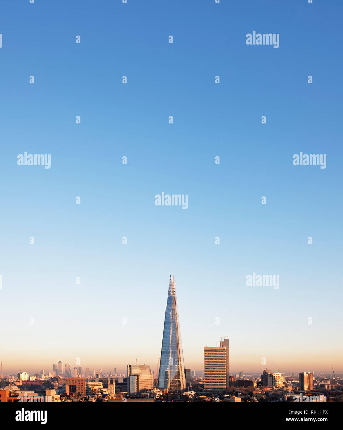 The Shard on a cloudless day - Stock Image