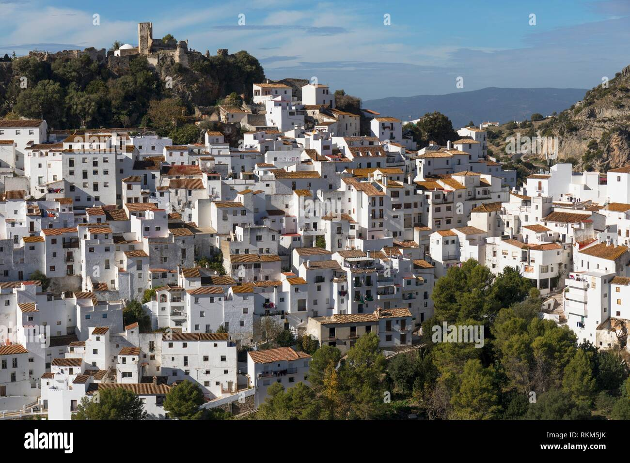 Casares, Malaga Province, Andalusia, southern Spain. Iconic white-washed mountain village. Popular inland excursion from the Costa del Sol. - Stock Image
