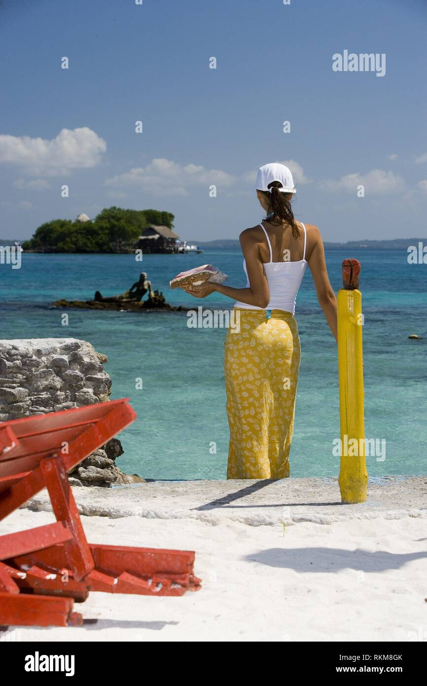 Playa Y Hotel Isla Del Pirata. Islas Del Rosario