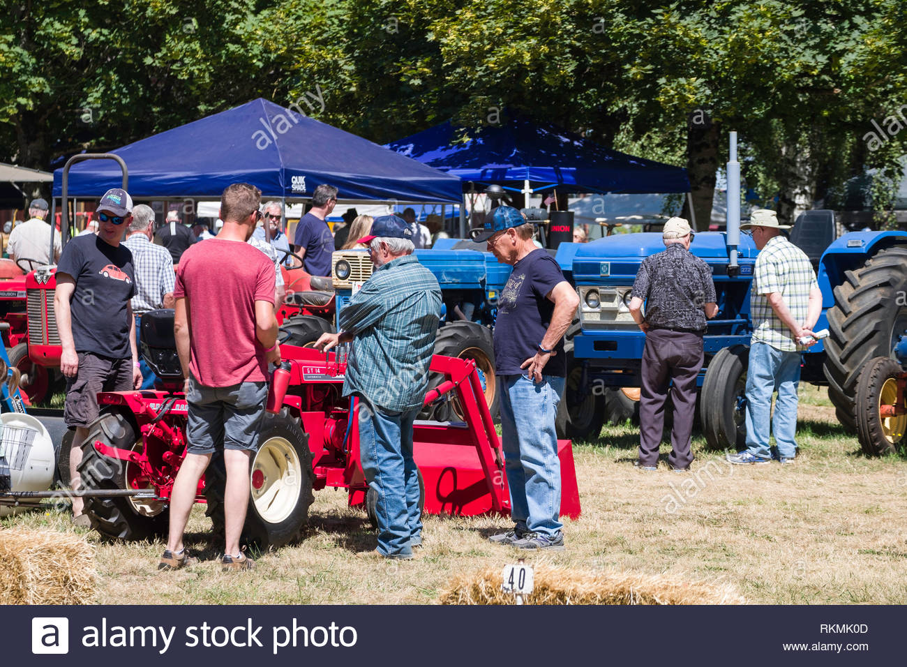 Wheeled Tractor Stock Photos & Wheeled Tractor Stock Images