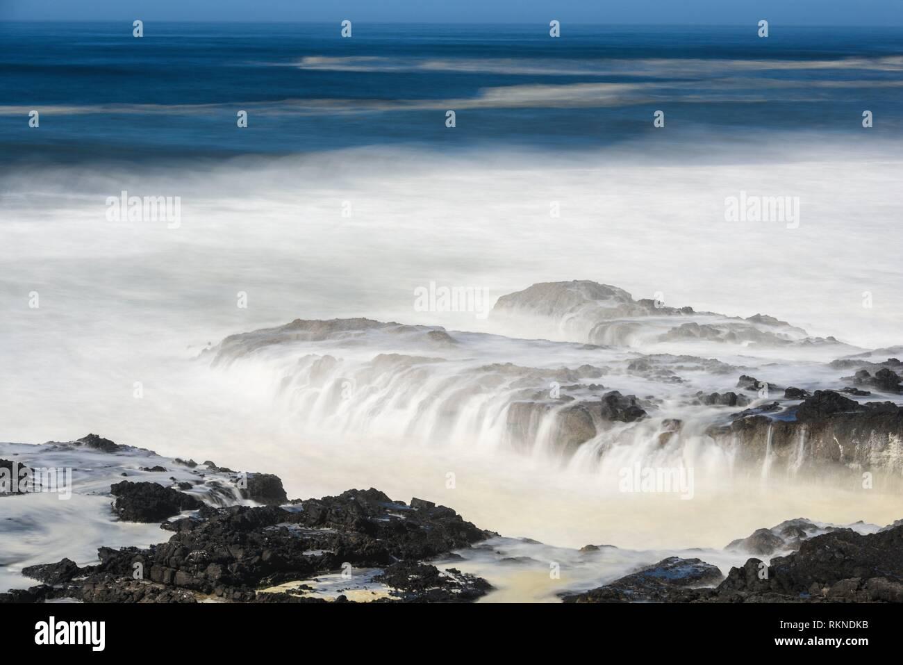 Coastal Rocks and pounding surf, Cape Perpetua, Oregon, USA. - Stock Image