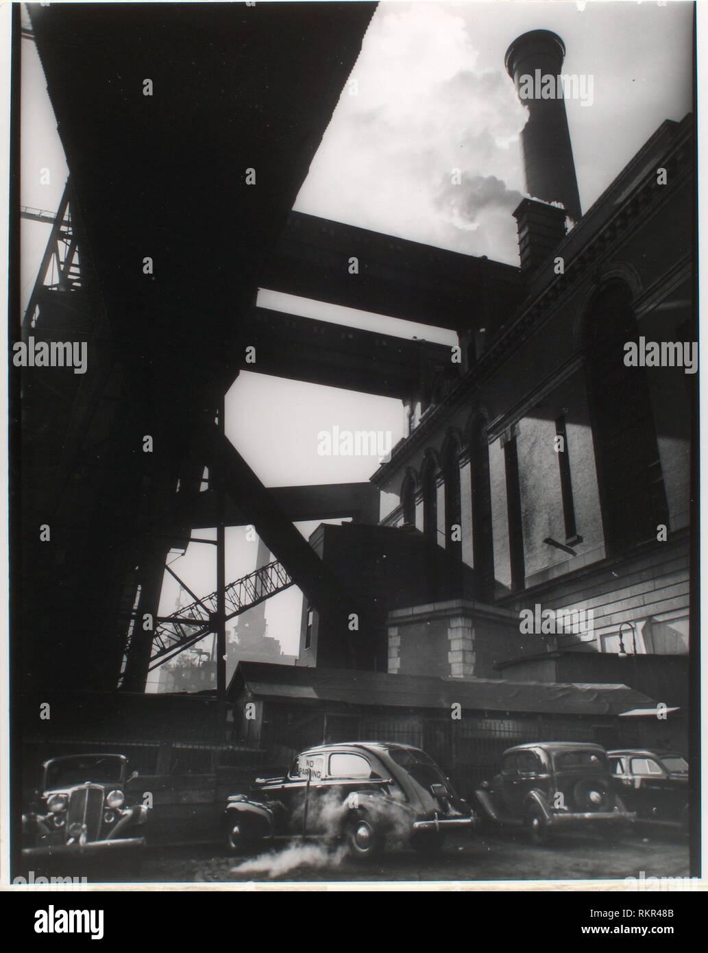 Consolidated Edison powerhouse, 666 1st Avenue, Manhattan. Abbott, Berenice, 1898-1991 (Photographer) Federal Art Project (New York, N.Y.) (Sponsor). - Stock Image