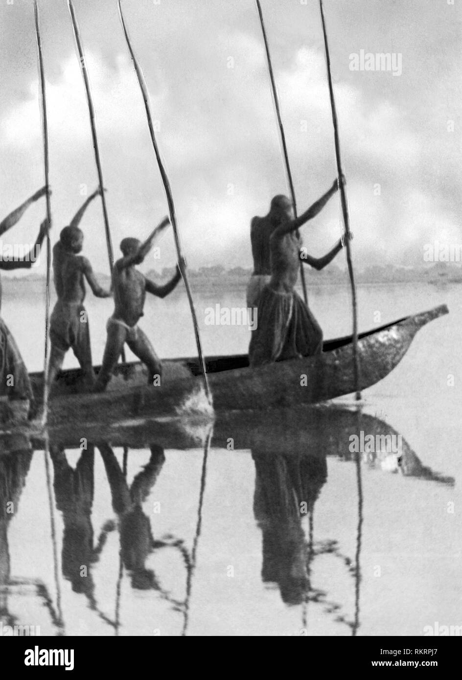 pirogues, niger river, nigeria, africa 1920 - Stock Image