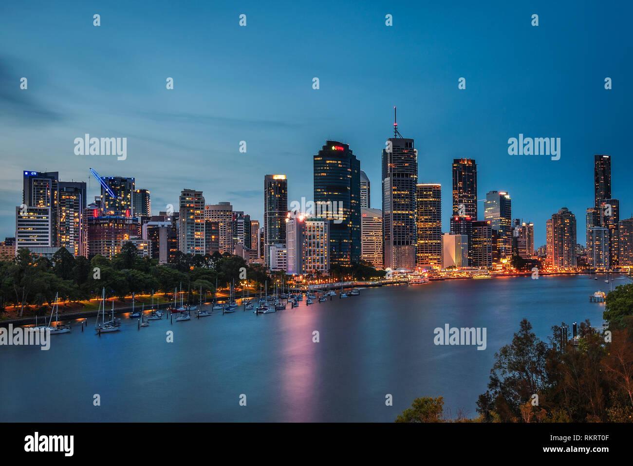 Night skyline of Brisbane city and Brisbane river from Kangaroo Point - Stock Image