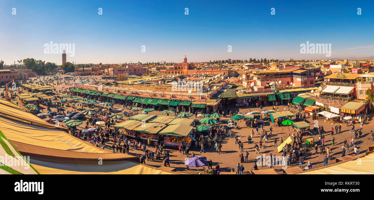 View of the busy Jamaa el Fna market square in Marrakesh, Morocco - Stock Image