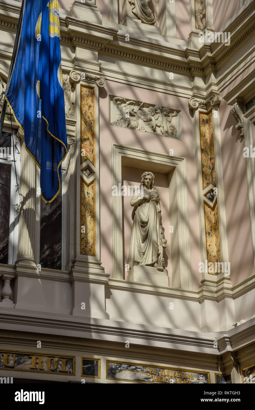 Brüssel, Les Galeries Royales Saint-Hubert, Koninklijke Sint-Hubertusgalerijen Die Galeries Royales Saint-Hubert (Niederländisch: Sint-Hubertusgalerij - Stock Image