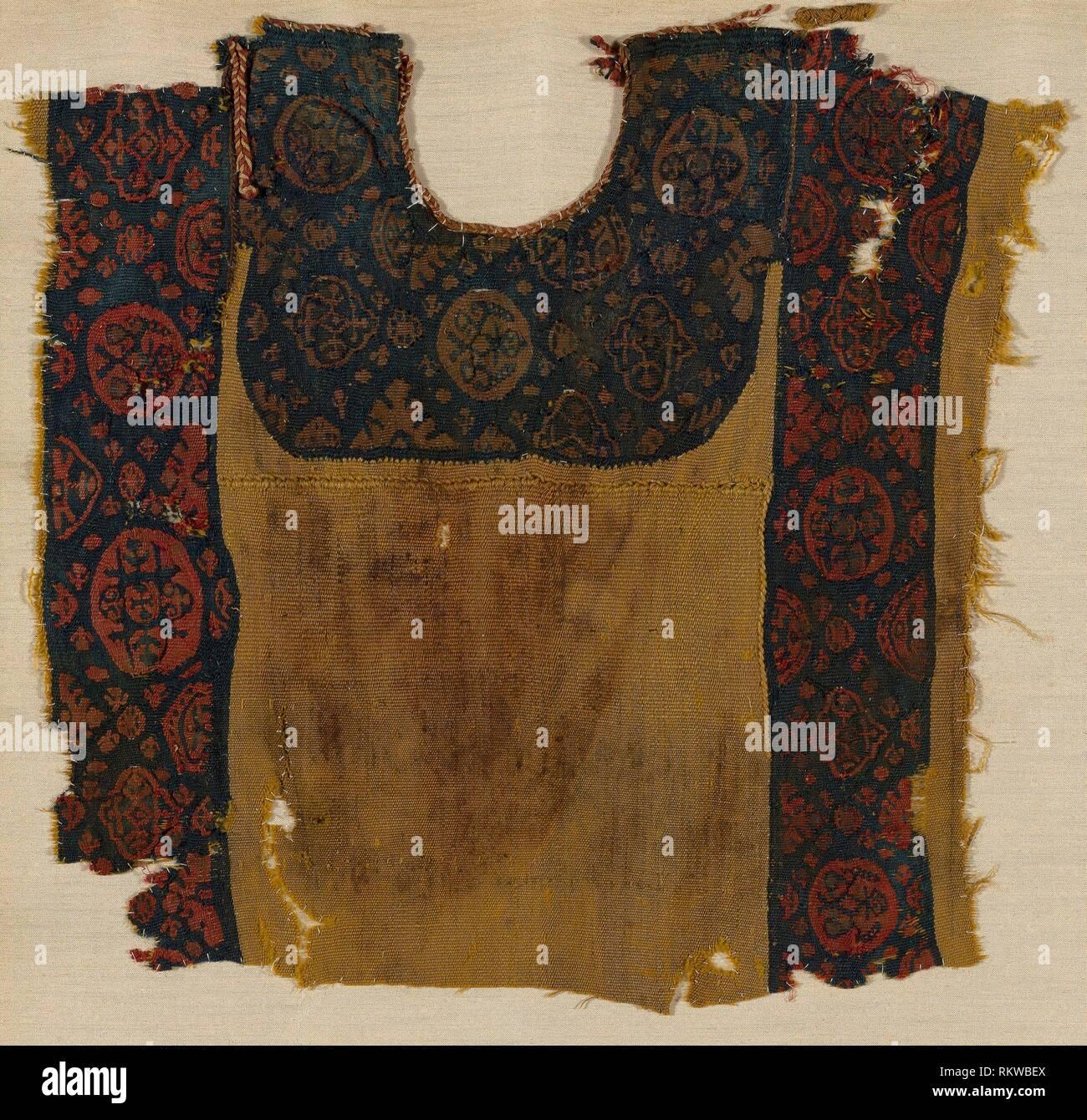 Yoke (Tunic) - Roman period (30 B C - 641 A D ), 1st/5th